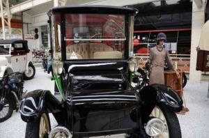Detroit Electric Modell C 3