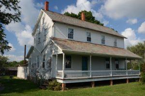 94 Amish Acres 8